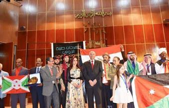 """بالصور.. مهرجان """"طيبة الدولى للفنون"""" يعلن دعم المثقفين العرب لمرشحة مصر في صراع """"اليونسكو"""""""