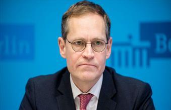 عمدة برلين يتوقع تخفيف قيود كورونا قبل 27 أبريل