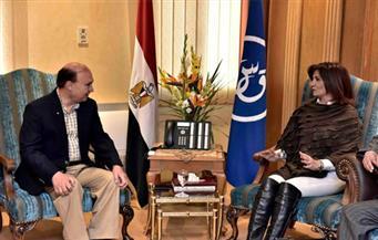 بالصور.. رئيس هيئة قناة السويس يستقبل وزيرة الدولة للهجرة ووفدًا من علماء مصر بالخارج