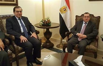 """وزير البترول يستقبل نظيريه العراقي والجزائري للمشاركة في المؤتمر الوزاري لـ""""أوابك"""""""