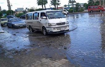 الأمطار الغزيرة تغرق طريق وادي القمر بالإسكندرية.. وتوقف كامل لحركة المرور