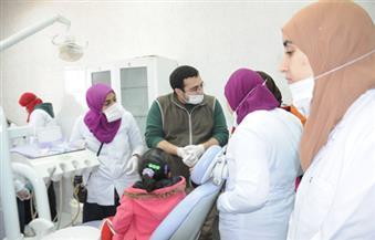 بمشاركة جامعة القاهرة وصندوق مكافحة الإدمان.. قافلة طبية توقع الكشف على 1100 مواطن بالجيزة