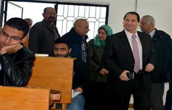 """""""شمس الدين"""" يتفقد سير امتحانات الطلاب بكليتي الآداب والتجارة بجامعة بورسعيد"""