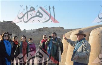 بالصور.. زاهي حواس لأثريين أمريكيين: أبو الهول عمره 4500 عام ولا توجد آثار أسفله