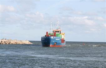 """بالصور.. محافظ كفر الشيخ يستقبل السفينة """"روش فورت """" بميناء البرلس محملة بـ 12 طردًا  لمحطة الكهرباء العملاقة"""