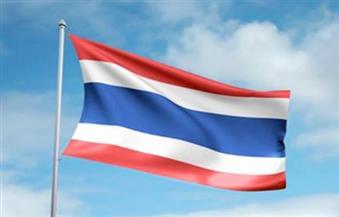 الآلاف يتوافدون للترحيب بملك تايلاند في أول زيارة له خارج بانكوك