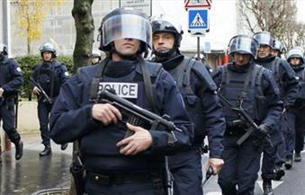 إصابة خمسة من الأمن الفرنسي في اشتباكات مع حشد غاضب