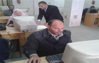 """تقديم الخدمات للمواطنين في ورشة عمل """"خدمة مع ابتسامة"""" بالمنيا"""
