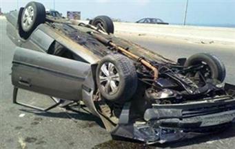 انقلاب سيارة ملاكي بعد اصطدامها بأخرى على طريق صلاح سالم