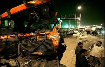 """إصابة 3 أشخاص بسبب انقلاب سيارة نقل بكوبرى """"الراهبين"""" في سمنود بالغربية"""