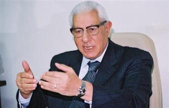 """لقاء مكرم محمد أحمد عن الصحافة عام 1993 """"أون لاين"""".. الليلة"""