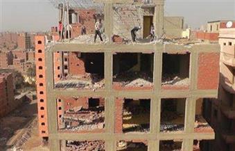 """الأجهزة التنفيذية بالقاهرة توقف أعمال بناء مخالفة.. و""""تيمور"""" يشدد على مراجعة تراخيص البناء"""