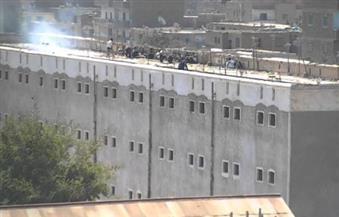 """لا صحة لشائعة قناة """"مكملين"""" حول إضراب محتجزين بسجن المنيا"""
