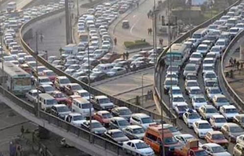 تعرف على الحالة المرورية اليوم بمحاور القاهرة والجيزة -