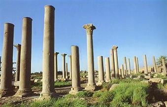 منطقة آثار تل العمارنة بالمنيا تستقبل وفدا سياحيا من 3 دول