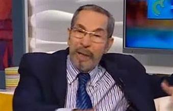 بالفيديو.. خبير اقتصادي يكشف أسباب انخفاض سعر الدولار في مصر