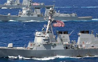 سفينة حربية أمريكية تغير مسارها في الخليج العربي بعد اقتراب سفينة للحرس الثوري الإيراني منها