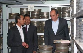بالصور.. الأمير ولاشين يتفقدان مكتبات ماسبيرو بعد نقل مكتبة الألفي إلى المبنى