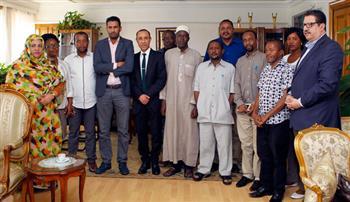 بالصور.. الأمير يلتقى الإذاعيين الأفارقة المشاركين فى الدورات التدريبية بإلإذاعة والتليفزيون