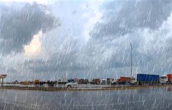 أمطار غزيرة وطقس سيئ بالإسكندرية.. واستمرار إغلاق بوغازي الميناءين