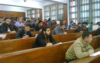 طلاب الفرق النهائية بجامعة القاهرة يواصلون امتحاناتهم للأسبوع الثالث