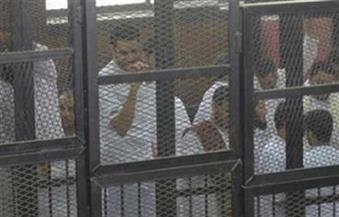 """""""إحنا وراك ياريس والشعب هيبقى كويس"""".. هتافات متهمين بقضية """"أحداث العدوة"""" من داخل القفص"""