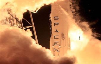 أمريكا تطلق صاروخا من طراز فالكون 9 حاملا 10 أقمار صناعية