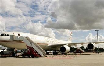طائرة مصرية تهبط في أبو ظبي بدلًا من مطار دبي بسبب اشتعال طائرة إماراتية