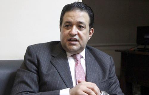 رئيس لجنة حقوق الإنسان يشيد بدور الشرطة في علاج المواطنين بالمجان -