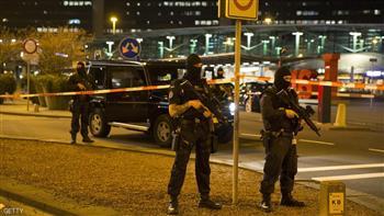 الشرطة الهولندية تطلق النار على رجل يحمل سكينًا في مطار شيبول- أمستردام