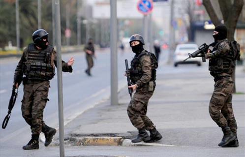 Серия атак на военных в Турции: Есть жертвы