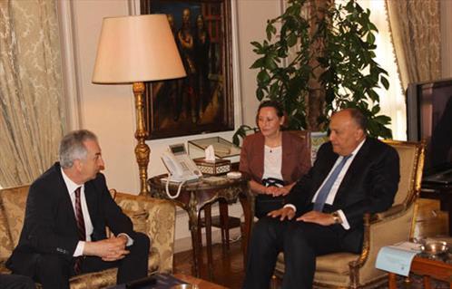 في أول زيارة له للقاهرة.. شكري يستقبل نائب رئيس الوزراء البوسني للتجارة والاستثمار والسياحة 2016-635965774400308871-30_main