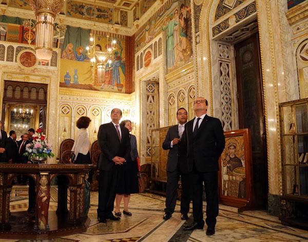 بالصور.. الرئيسان السيسي وأولاند يشهدان حفلاً فنيًا بقصر عابدين 2016-635966197847873585-787
