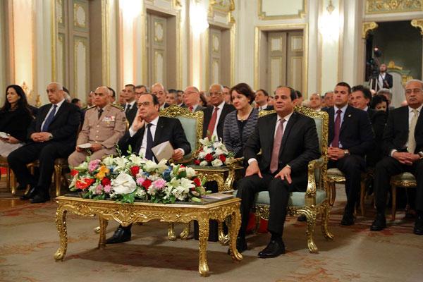 بالصور.. الرئيسان السيسي وأولاند يشهدان حفلاً فنيًا بقصر عابدين 2016-635966197848497573-849
