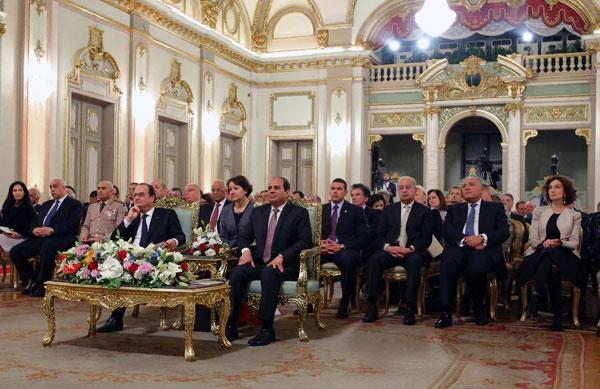 بالصور.. الرئيسان السيسي وأولاند يشهدان حفلاً فنيًا بقصر عابدين 2016-635966197848809567-880