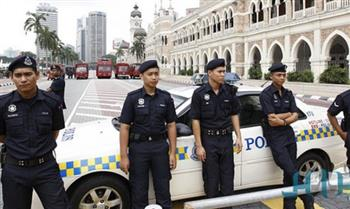 الشرطة الماليزية تحقق مع زعيم معارض بتهمة نشر الأخبار الكاذبة