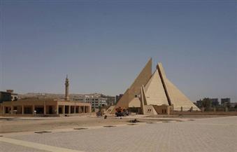 السفير الأسترالي بالقاهرة يزور متحف ملوي بالمنيا