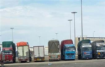 تداول 686 شاحنة و31 سيارة بمواني البحر الأحمر