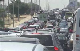 كثافات مرورية بمحور المشير بالتجمع الخامس بسبب احتراق سيارة