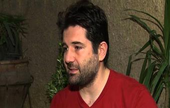 المخرج عثمان أبو لبن ينعي وفاة 4 أفراد من عائلته في طائرة مصر للطيران