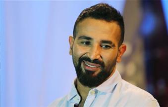 """بالفيديو.. أحمد سعد يغني لشقيقه """"بحبك يا صاحبي"""""""