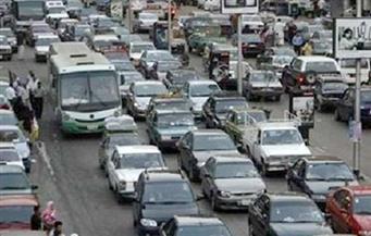 كثافة مرورية بالصحراوى الشرقى بسبب انقلاب سيارة نقل مقطورة