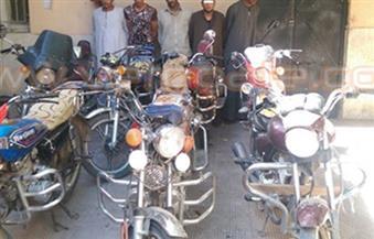 ضبط تشكيل عصابي لتزوير توكيلات الشهر العقاري للاستيلاء على الدراجات النارية بالإسكندرية