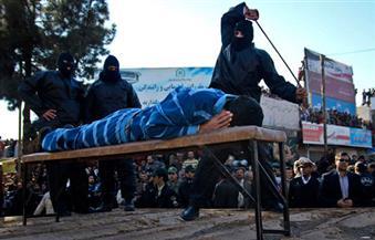 احتفلوا فى فيلا دون أن يعرفوا بعضهم ..الحكم بـ 99 جلدة على 30 شابا وفتاة في إيران