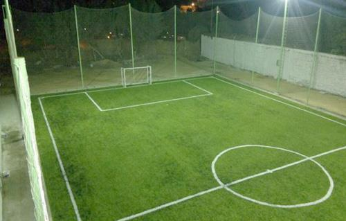 مواصفات ملعب كرة القدم الخماسي