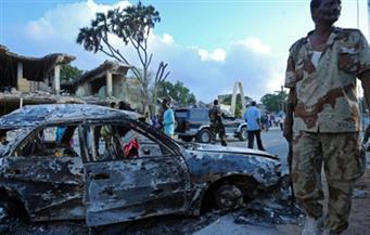 مقتل 3 أشخاص وإصابة العشرات في هجوم لحركة الشباب الصومالية على فندق وسط مقديشيو