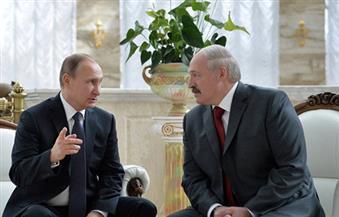 بوتين يحكي أسرار غرفة نومه لرئيس بيلاروسيا دون أن يدري أن الميكروفون مفتوحًا