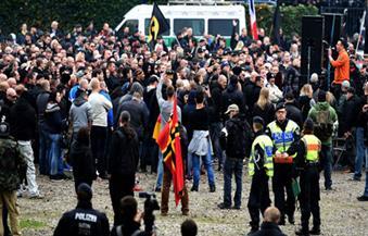 الآلاف يحتجون أمام قاعدة جوية أمريكية في ألمانيا