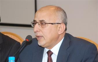 """وزير يمني يدين استمرار الحوثيين """"بتهديد الملاحة الدولية"""""""