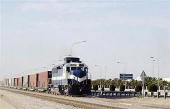ميناء دمياط يستقبل قطاري حاويات وفوسفات